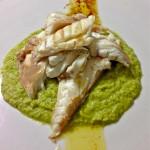 Orata al vapore con crema di broccoli e peperoncini verdi dolci